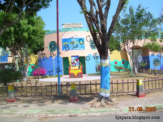 Gerbang Pantai Kartini 2007