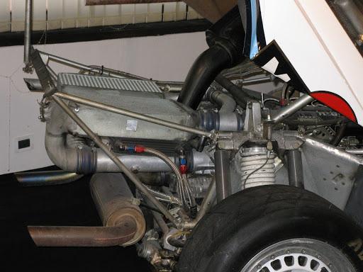 Lancia+Delta+s4++-+vano+motore.JPG