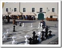 Leo jogando xadrez