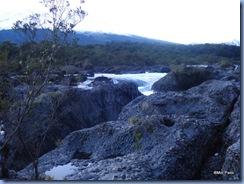 Formação rochosa das quedas de Petrohué