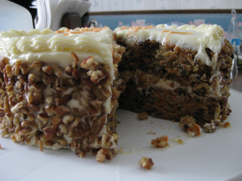 Carrot cake, cross-section view