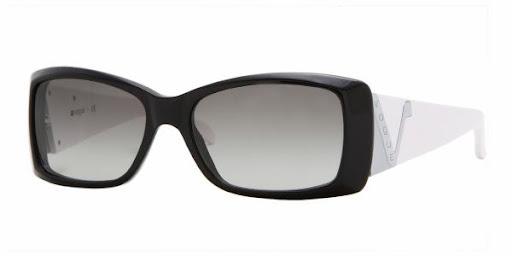 Armação moderna e clássica da marca de óculos Vogue VO2560S/W44