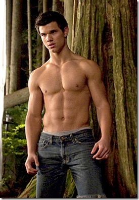 Taylor-shirtless-twilight-series-8256434-290-426