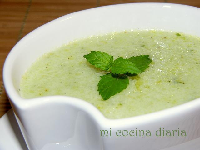 Sopa fría de pepinos (Холодный огуречный суп)