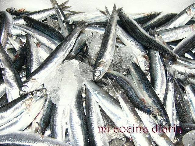 Boquerones en salazón (Анчоусы соленые)