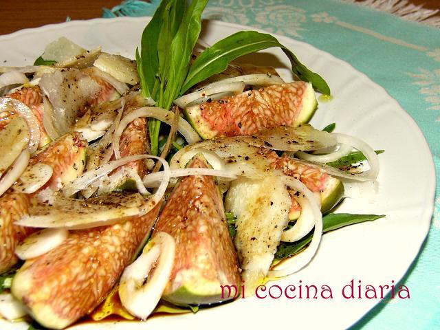 Ensalada de higos, rúcula y Parmesano (Салат из инжира, руколы и Пармезана)