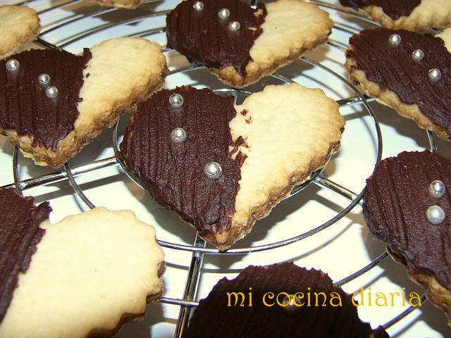 Galletas Corazones con chocolate (Печенье Сердечки с шоколадом)