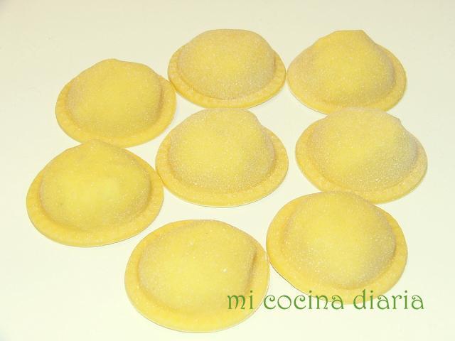 Sorrentinos con relleno de ricotta, jamón y nueces (Соррентинос с начинкой из рикотты, ветчины и грецких орехов)