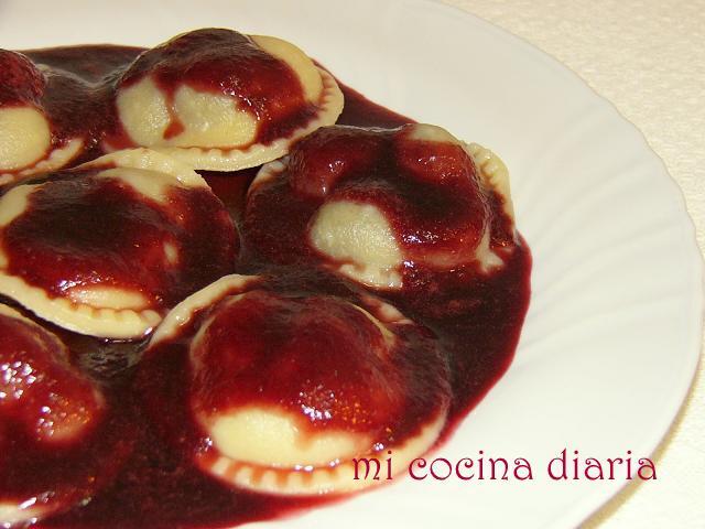 Vareniki con cerezas (Вареники с черешней)