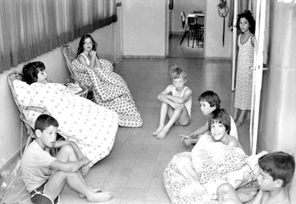 שיחת מסדרון לילית בחדר הילדים ג'ואל קנטור