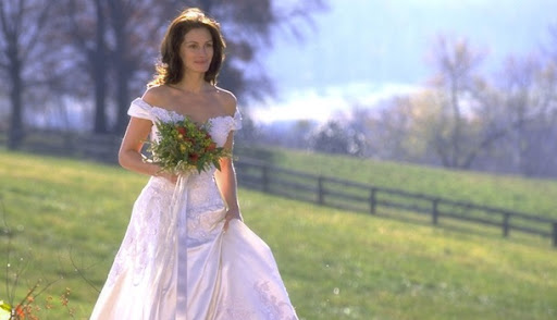 julia roberts wedding dress runaway. Julia Roberts as Maggie