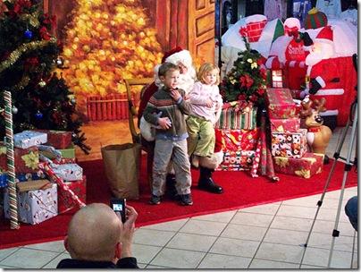 2008-11-28 Salem Santa 2008 Museum Place Visit.