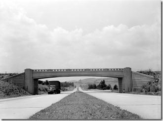 Pennsylvania_Turnpike_1942_LOC