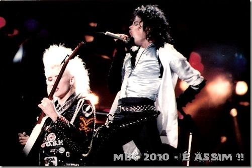 Michael Jackson semi-deus?