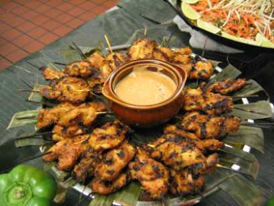 Chicken Skewers with Peanut Sauce Chick_peanut_sauce