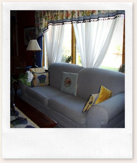 living room 09 011