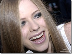 avril-lavigne-1024x768-4622 LinkinSoldiers