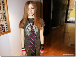 avril-lavigne-1024x768-17171 LinkinSoldiers