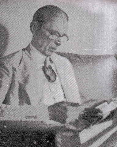 [Mr Jinnah in his study[11].png]