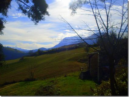 le morbide colline intorno ai Sibillini