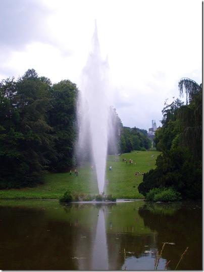 Il geyder di 52 metri alla grosse fontane del Wilhelmshohe di Kassel