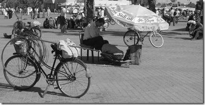 pulitore di scarpe a Marrakech