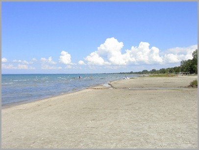 Wasaga%20Beach%20with%20Heather%20015