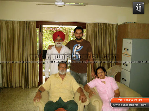 Abhay Deol, Abhay Deol's father Ajit Deol and Mother Usha Deol with the author