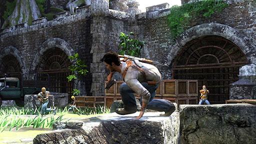 Vad gör han? Han borde ta skydd bakom stenen, inte hoppa över.