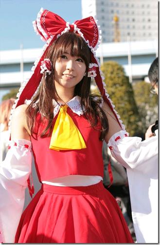 touhou project cosplay - hakurei reimu 02
