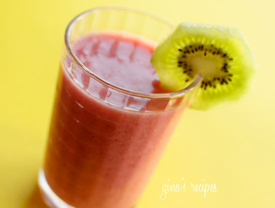 Strawberry Kiwi Smoothie | Skinnytaste