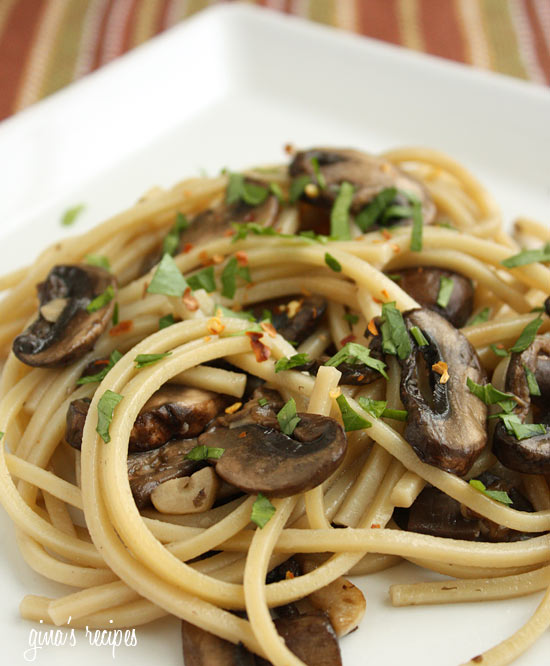 Spaghetti with Mushrooms, Garlic and Oil | Skinnytaste