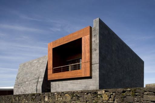 http://lh4.ggpht.com/_BkOsthGKM3U/TJUrjsL4_PI/AAAAAAAAAUw/-VQKNTR9_Hg/18-Domus-Impluvium-Bernardo-Rodrigues-Architects-600x399.jpg
