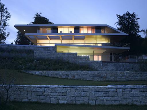 http://lh4.ggpht.com/_BkOsthGKM3U/TLxKlsuhdZI/AAAAAAAAAm0/VY8t0esMIsA/01%20Luxury-Villa-in-Linz-Austria-by-Najjar-Najjar-Architects-14.jpg