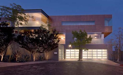 http://lh4.ggpht.com/_BkOsthGKM3U/TM7t9TT8CfI/AAAAAAAAAyg/hS8o8RtOQXA/5%20Luxury-LA-Property-For-Sale.jpg