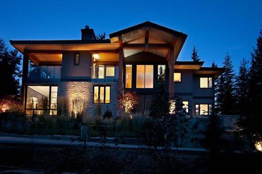 http://lh4.ggpht.com/_BkOsthGKM3U/TM7uNcXIE5I/AAAAAAAAAyw/m34w-_ttpWQ/9%20Luxury-Property-in-Whistler-12.jpg