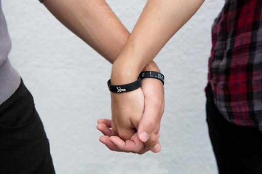 http://lh4.ggpht.com/_BkOsthGKM3U/TOTRnJFvIuI/AAAAAAAABAs/_aQt1CriOog/lens-bracelets-0247_600.0000001289360317.jpg