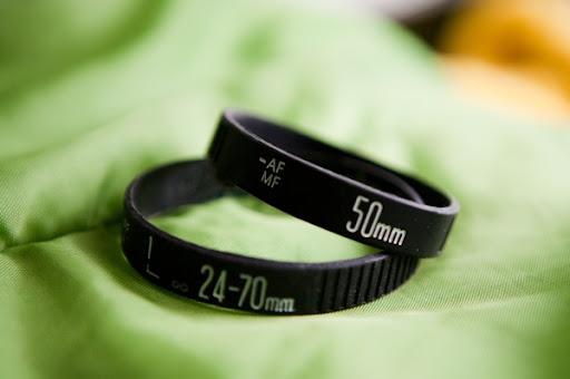 http://lh4.ggpht.com/_BkOsthGKM3U/TOTRnUOqABI/AAAAAAAABAw/ol6rT_1CpcU/lens-bracelets-9151_600.0000001289360278.jpg