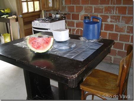 mesa pronta para o almoço