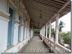 Casa Grande da Usina Serro Azul - detalhe do terraço frontal fotografado por Valdir Pedrosa