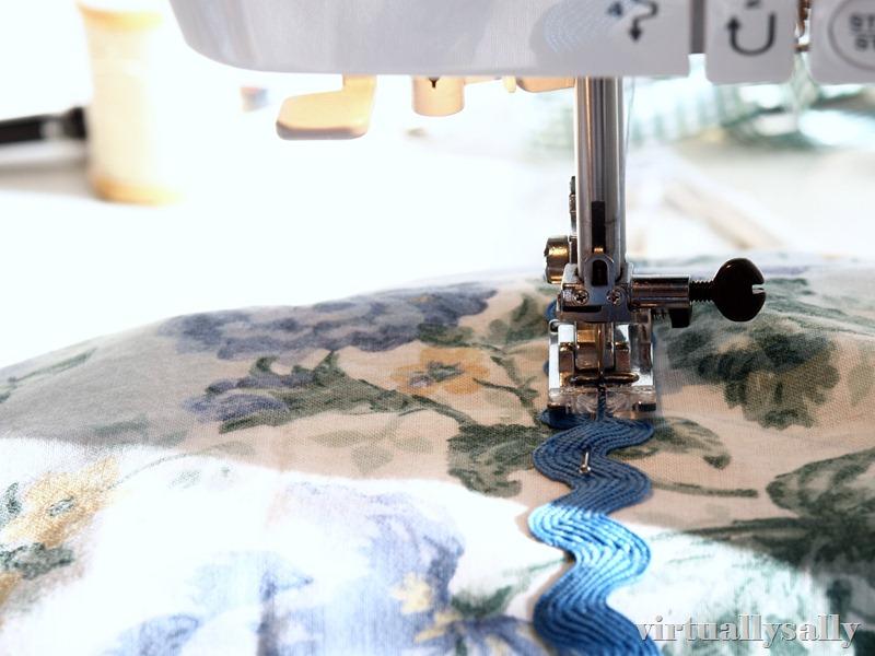 sewing ric rac