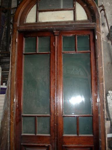Cosentino demoliciones srl antigua ventana balcon for Demoliciones puertas antiguas