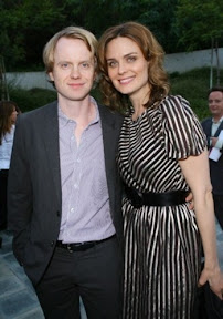 david-hornsby-ties-knot-with-'bones'-star-emily-deschanel