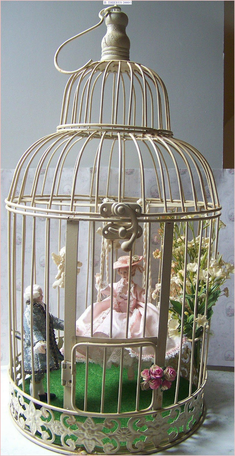 1000 images about shabby bird houses and cages on pinterest birdcages bird cages and birdhouses. Black Bedroom Furniture Sets. Home Design Ideas