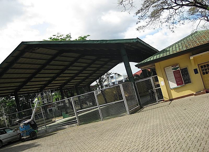 covered basketball court and gym of the U.P. Village East barangay