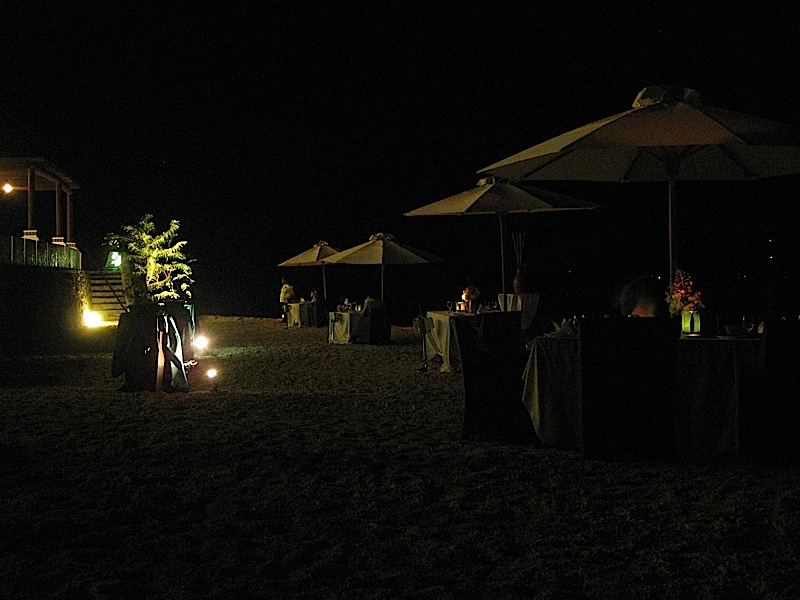 dinner on the beach at Bellarocca Island Resort
