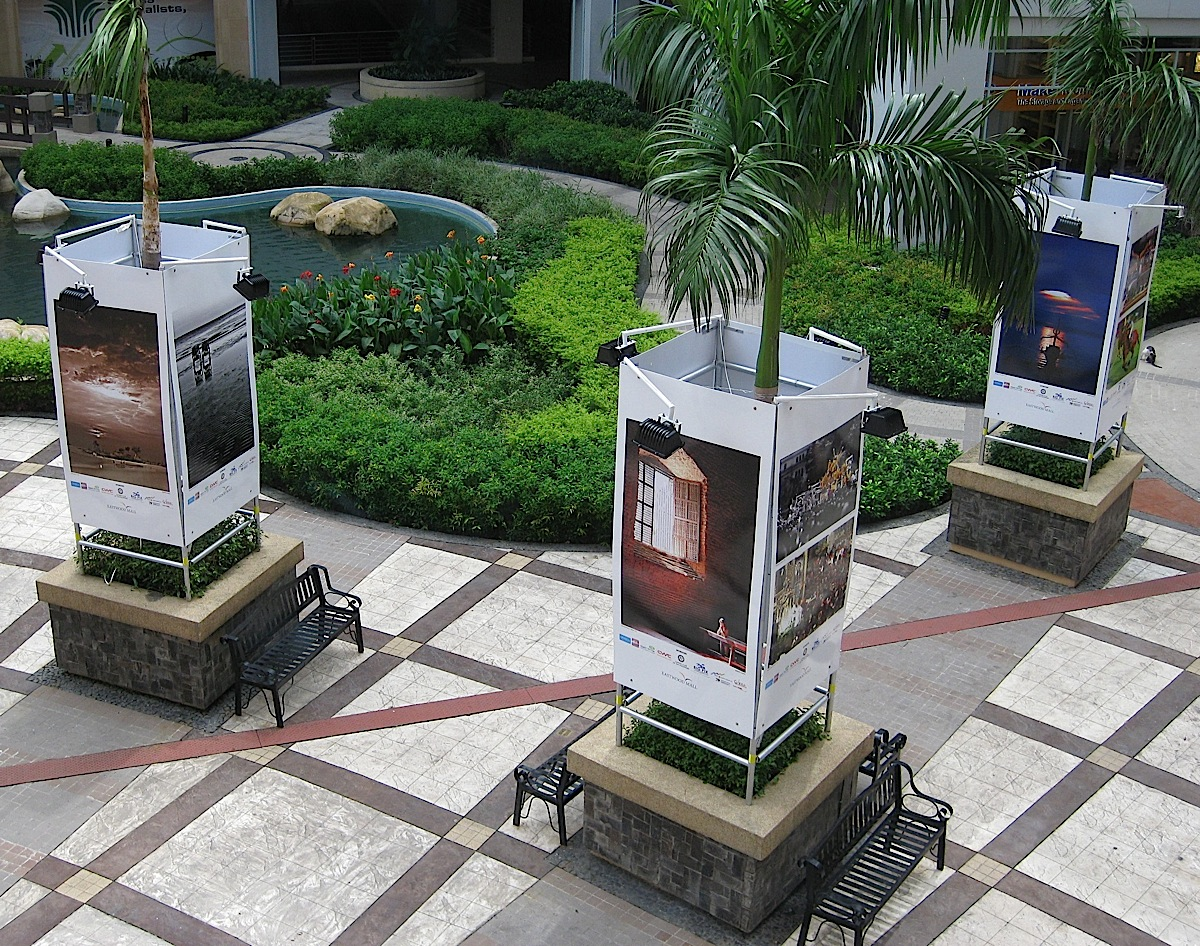outdoor photography exhibit at Eastwood Mall