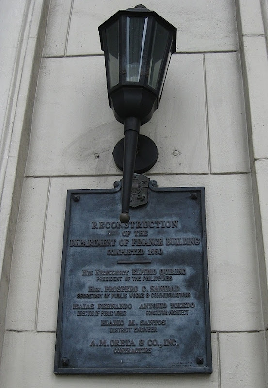 plaque under a lamp of the Museum of the Filipino People