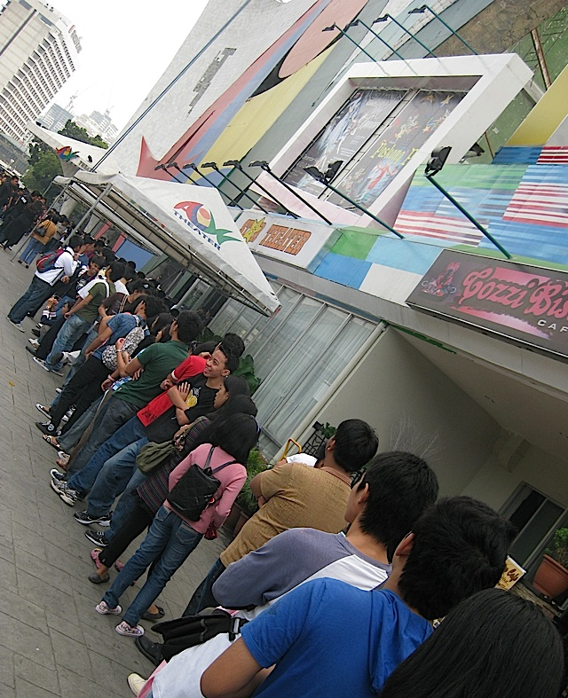 16 to 18 year old students lined up to watch Ballet Manila at the Aliw Theater
