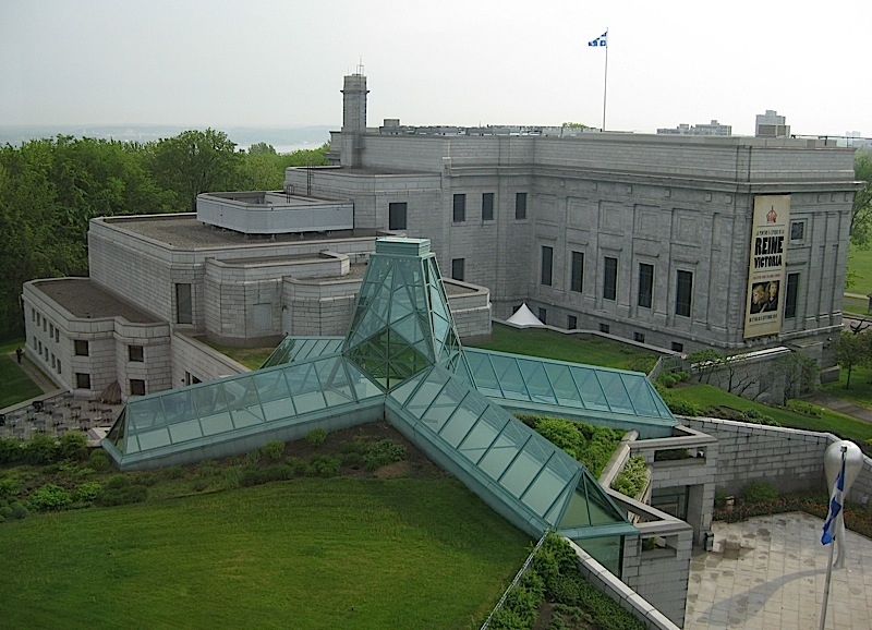 skylight and plant-topped roof of the Grand Hall of the Musée National des Beaux-Arts du Québec